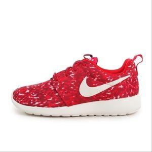Nike Roshe Run Print Sneakers